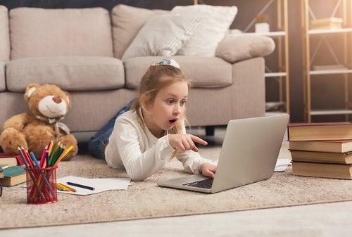 Dwujęzyczne dzieci – w jaki sposób je wychowywać i uczyć?