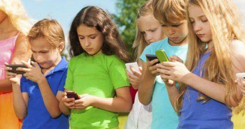 Zasada 3-6-9-12: jak dziecko powinno korzystać z technologii