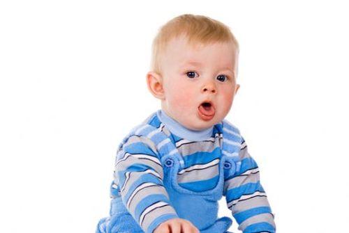 Jak pozbyć się flegmy z nosa i ust niemowlęcia