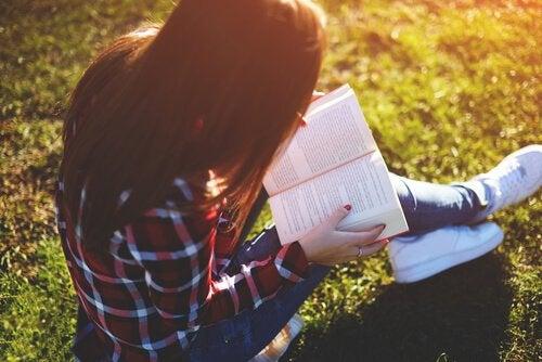 Książki dla młodzieży: podaruj magię czytania