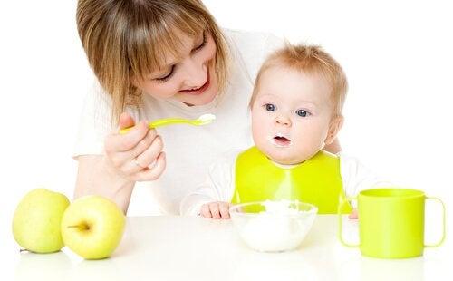 Desery dla dziecka w wieku 9-12 miesięcy: 4 przepisy