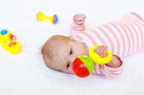 Zabawki dla noworodków: 8 najlepszych pomysłów