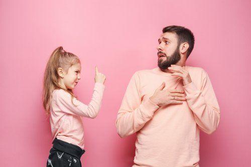 Brak autorytetu rodziców - córka karci tatę