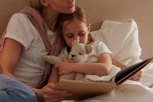 Bajki na dobranoc dla dzieci – jakie znaczenie ma ich czytanie