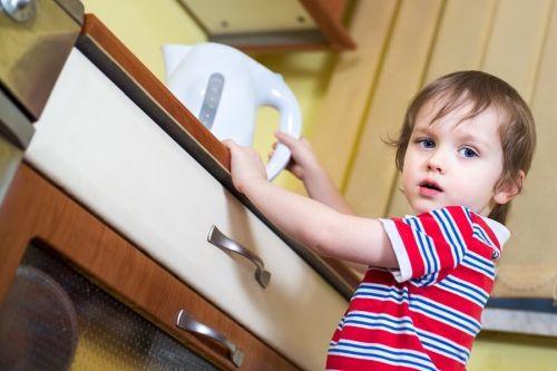 Dziecko poparzyło się wrzątkiem: co robić?