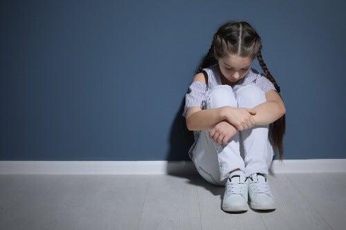 Psychiczne znęcanie się nad dzieckiem i jego skutki
