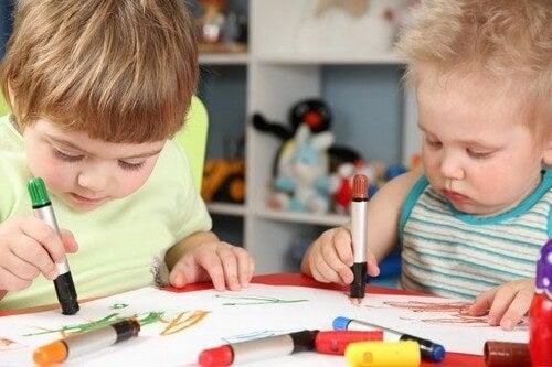 Rysunki dzieci i ich znaczenie – musisz to wiedzieć!
