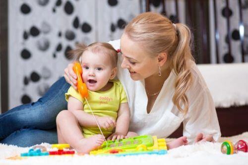 Zachęcić dziecko do mówienia: wypróbuj te sposoby