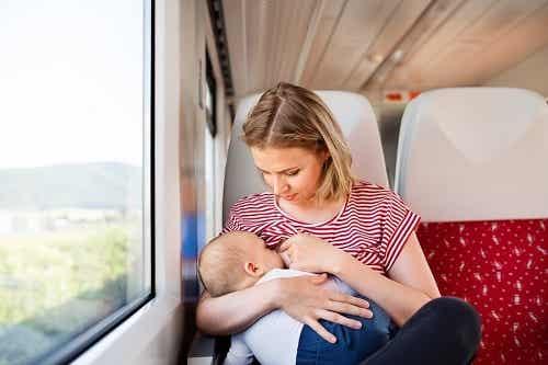 Podróżowanie z niemowlakiem: o czym musisz pamiętać