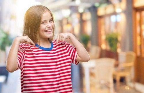 Miłość do samego siebie - jak nauczyć tego dzieci?