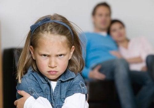 Wyznacz granice i daj dziecku do zrozumienia, że musi je respektować.