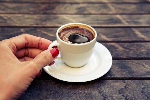 Spożywanie kofeiny podczas karmienia piersią
