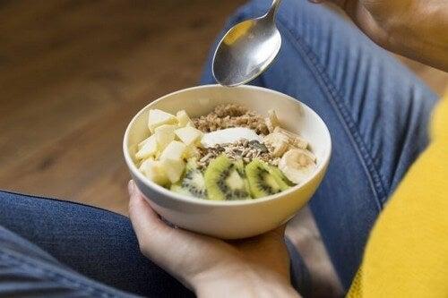 Zdrowe pokarmy, które zmniejszają dyskomfort podczas ciąży