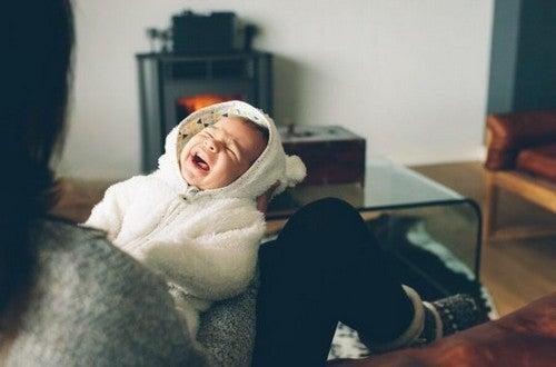 Twoje dziecko płacze w nocy - co należy zrobić?