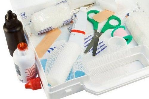 Domowa apteczka pierwszej pomocy - co powinna zawierać?
