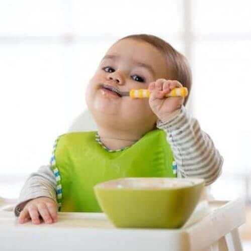 Rodzaje śliniaczków dla niemowląt na każdą okazję