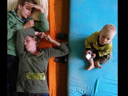 Problemy ze snem, które dręczą świeżo upieczonych rodziców