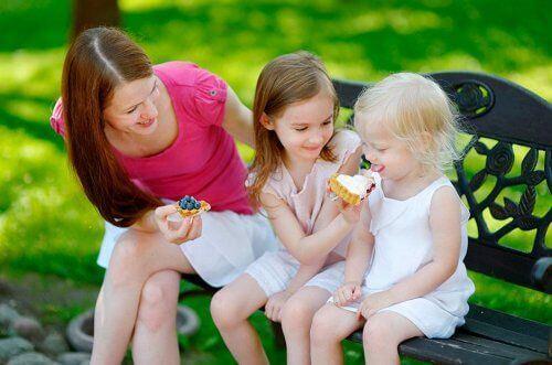 Jak nauczyć dzieci dzielenia się z innymi: 4 zasady