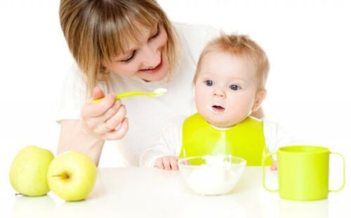 Nowe smaki w diecie dziecka: jak je wprowadzać?