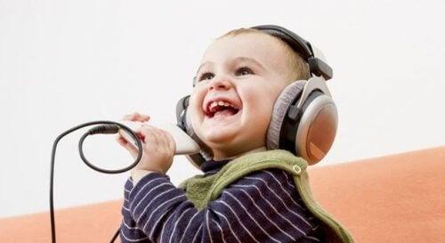 Szczęśliwe dzieci - czego mogą nauczyć dorosłych?