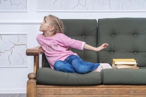 Wymówki dziecięce, aby uniknąć pójścia do szkoły