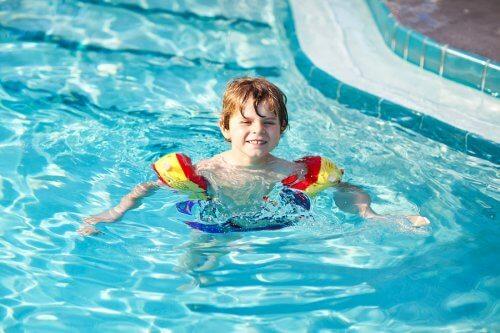Dziecko musi czuć się w wodzie bezpiecznie.