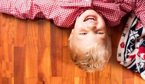 Śmianie się z samego siebie – naucz tego swoje dziecko