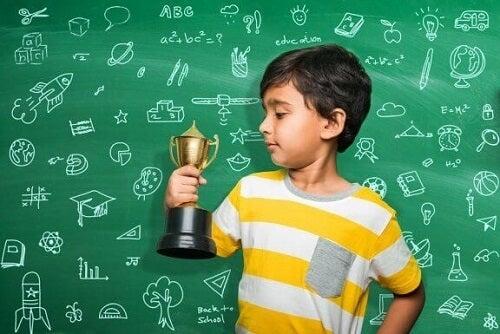 Kary i nagrody za oceny: czy tak zmotywujesz dziecko?