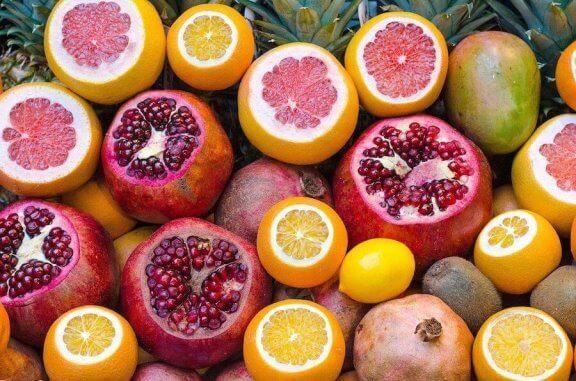 Cytrusy i granaty - pokarmy wzmacniające układ odpornościowy
