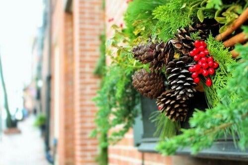Dekorowanie ogrodu na Boże Narodzenie - pomysły