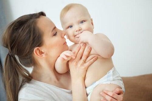 Zapach noworodka: jak pachnie nowo narodzone dziecko?