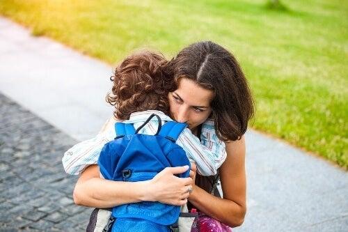 Nadopiekuńczość rodziców – poznaj 8 istotnych konsekwencji