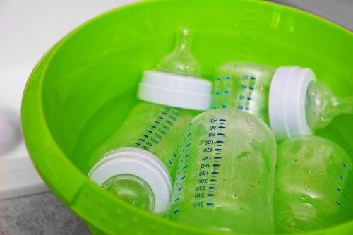 Mycie butelek dla niemowląt