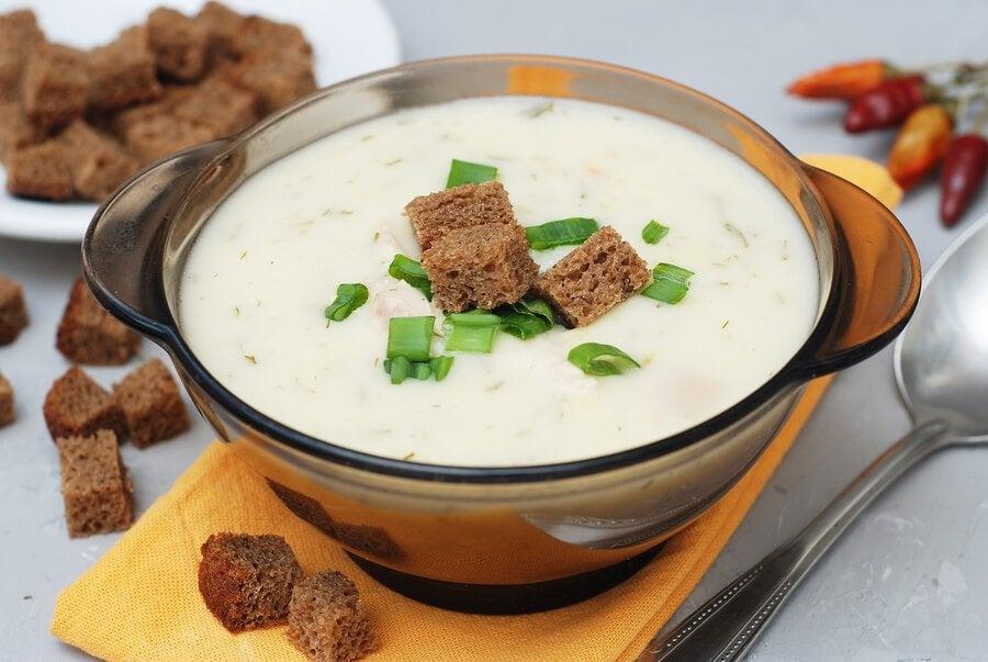 Zupa krem z chlebem - smakowite przepisy dla dzieci