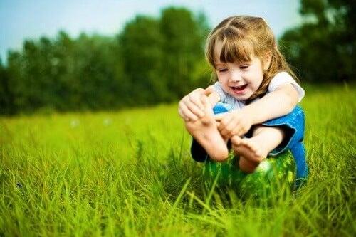 Jak dbać o stopy dziecka: poznaj kilka naprawdę kluczowych porad