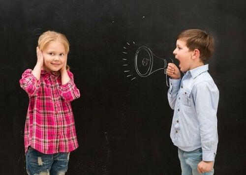 Moje dziecko ciągle krzyczy: co mogę zrobić?