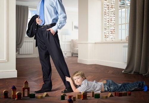 Brak czułości: w jaki sposób wpływa na dziecko?