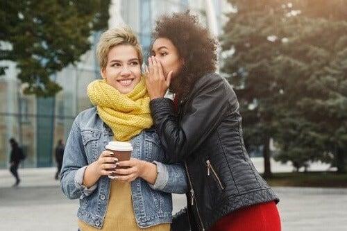 Przyjaciele nie lubią Twojego partnera: co możesz zrobić?