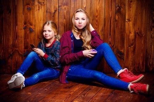 Relacje między rodzeństwem w wieku nastoletnim - poznaj bliżej to zagadnienie!