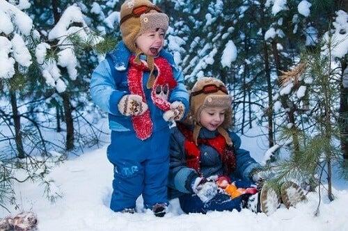 Poznaj naprawdę fajne zabawy w śniegu dla całej rodziny!