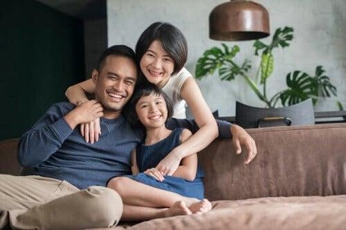 Jedynak: poznaj główne wady i zalety dorastania bez rodzeństwa
