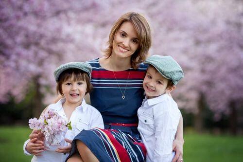 Mama i dwoje dzieci