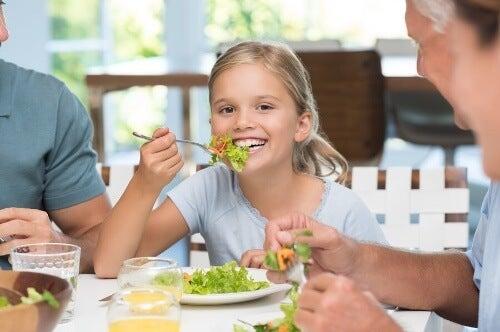 Dobre maniery przy stole – czy wiesz, dlaczego są tak ważne?