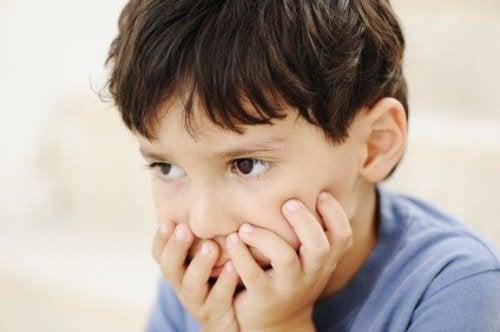 Stereotypie w dzieciństwie: co trzeba o nich wiedzieć