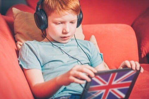 Jak wychować dwujęzyczne dziecko: poznaj metodę OPOL