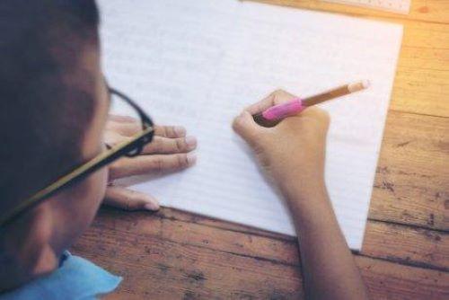 Ćwiczenia na poprawę pisma odręcznego dziecka