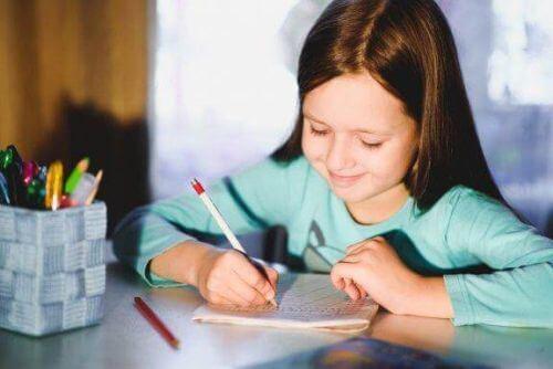 Pismo odręczne dziecka: 5 ćwiczeń na jego poprawę