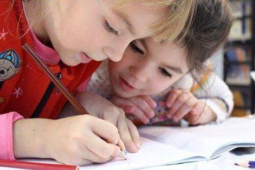 Pismo odręczne dziecka - jak je poprawić