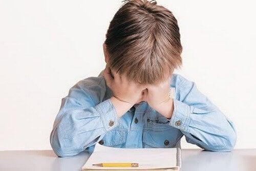 Dzieci nie chcą się uczyć: co powinnam zrobić? Jak zareagować w takiej sytuacji?