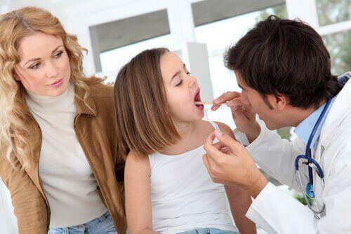 Badanie przed decyzją czy konieczne jest usunięcie migdałków